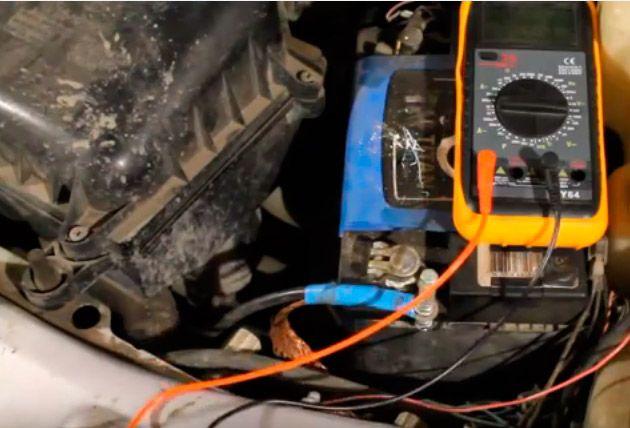 мультиметр помогает обнаружить неисправность электрики автомобиля