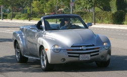 Шевроле SSR – единственный в мире пикап-кабриолет