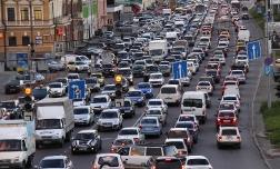 Московские власти решают транспортный коллапс