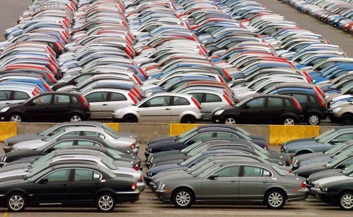 МОСКВА - Российские продажи новых автомобилей повысились на 26% с начала года...