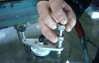 Что делать при возникновении трещин и сколов на лобовом стекле.