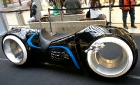 Футуристический мотоцикл Light Cycle