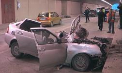 ДТП в Сочи, на Объездной дороге в тоннеле столкнулись грузовик и легковушка