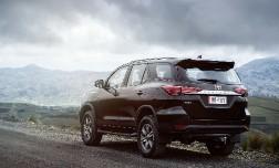 Объявлены цены на Toyota Fortuner в России