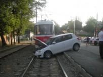 ДТП на трамвайных путях.