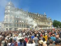 Французская полиция присоединилась к протесту против принудительных вакцин