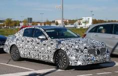 «Шпионы» засняли новый Mercedes E-Class