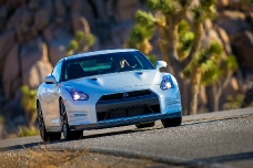 Первый тест трассовой версии Nissan GT-R 2014
